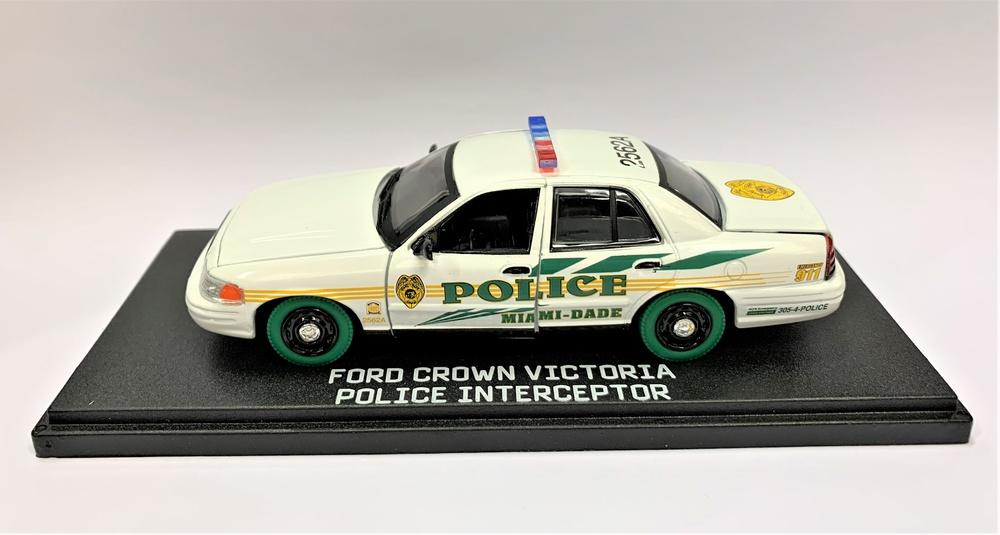 Ford Crown Victoria Policía interceptor de Miami-Dade