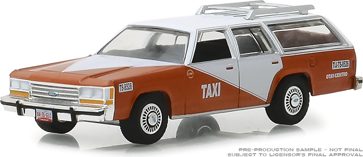 Ford LTD Crown Victoria Wagon - Centro de Tijuana (1988) Greenlight 1/64