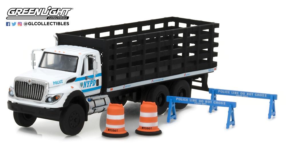 International WorkStar caja abierta Policia de Nueva York con accesorios seguridad Greenlight 1/64