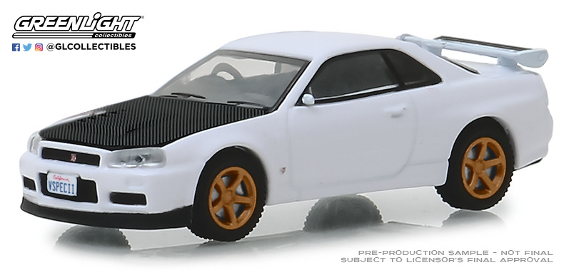 Nissan Skyline GT-R (BNR34) V-Spec II White with Z-Tune Hood (2001) Greenlight 47030E 1/64