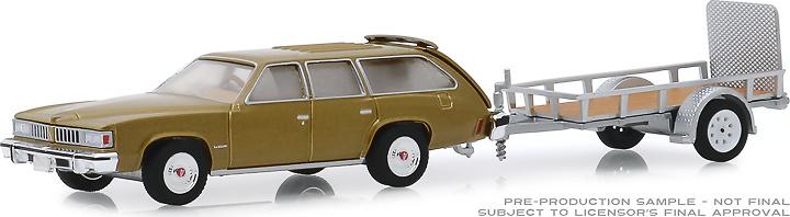Pontiac LeMans Safari with trailer (1977) Greenlight 1:64