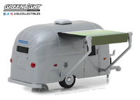 Airstream 16' Bambi with Awning (1971) Greenlight 1:64