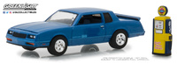 Chevrolet Monte Carlo SS con surtidor antiguo (1984) Greenlight 1/64