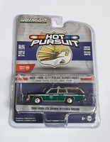 "Ford LTD Crown Victoria Wagon ""Policia de Nueva York"" (1988) Greenmachine 1/64"
