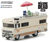 "Winnebago Chieftain con sombrilla y sillas de playa ""The Walking Dead"" (1973) Greenlight 1/64"